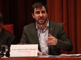 El conseller de Salut, Antoni Comín, en el Parlament.