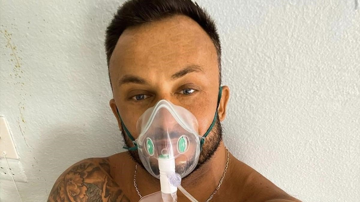 Dmitriy Stuzhuk, el popular 'influencer' ucraniano de fitness, negacionista del covid que ha fallecido por el virus.