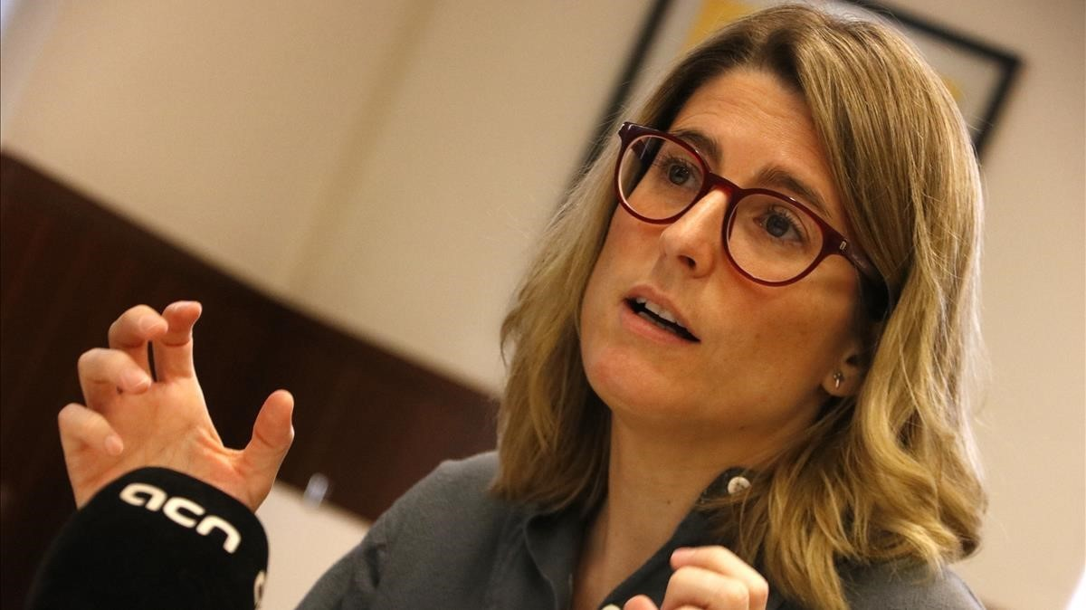 Elsa Artadi, portavoz de JxCAT, durante la entrevista a la ACN.