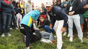 Una espectadora de la Ryder Cup perd un ull per un cop de pilota de Koepka