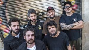 El grupo de música argentino Los Espíritus, ayer, en Barcelona.