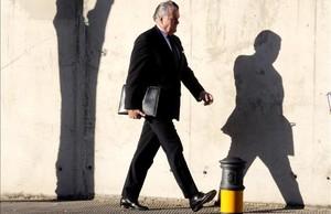Luis Bárcenas, se dirige a unasesión del juicio por la trama Gürtel en una foto de archivo.