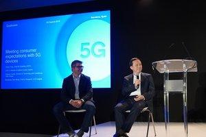 Henry Tana, jefe de operaciones 5G de Oppo, en un momento de su conferencia.