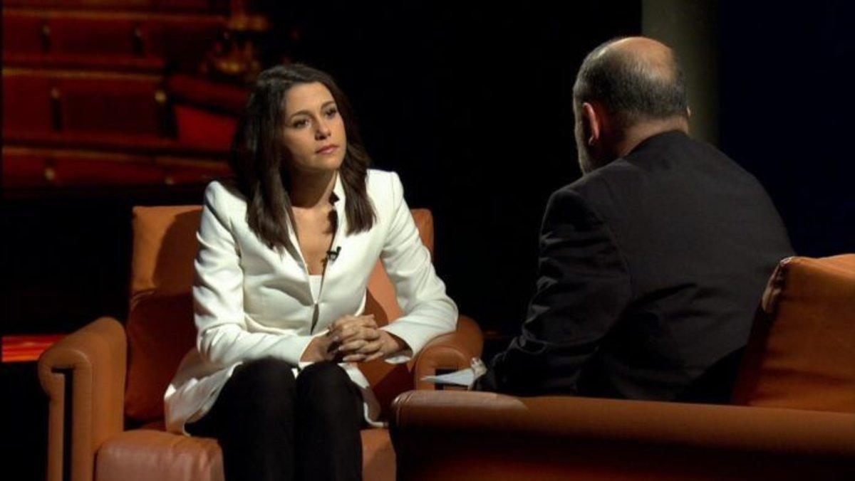"""Arrimadas: """"No acceptaré lliçons d'humanitat"""" de partits independentistes"""