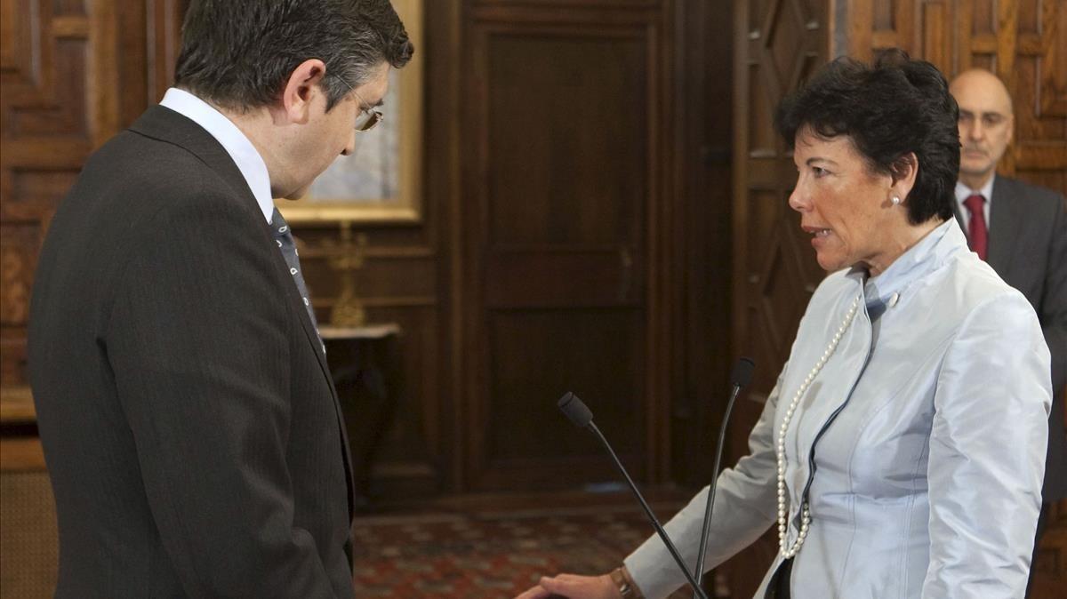 Isabel Celaá, junto a Patxi López.