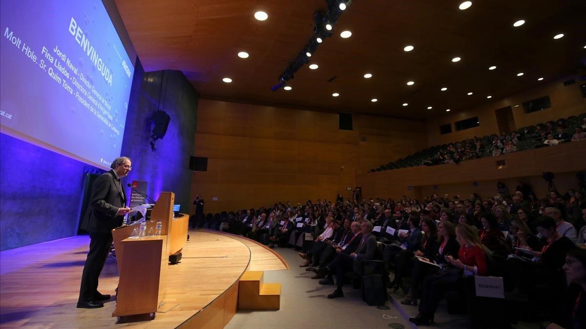 Quim Torrainagura las Jornadas de presentación del informe BioCat.