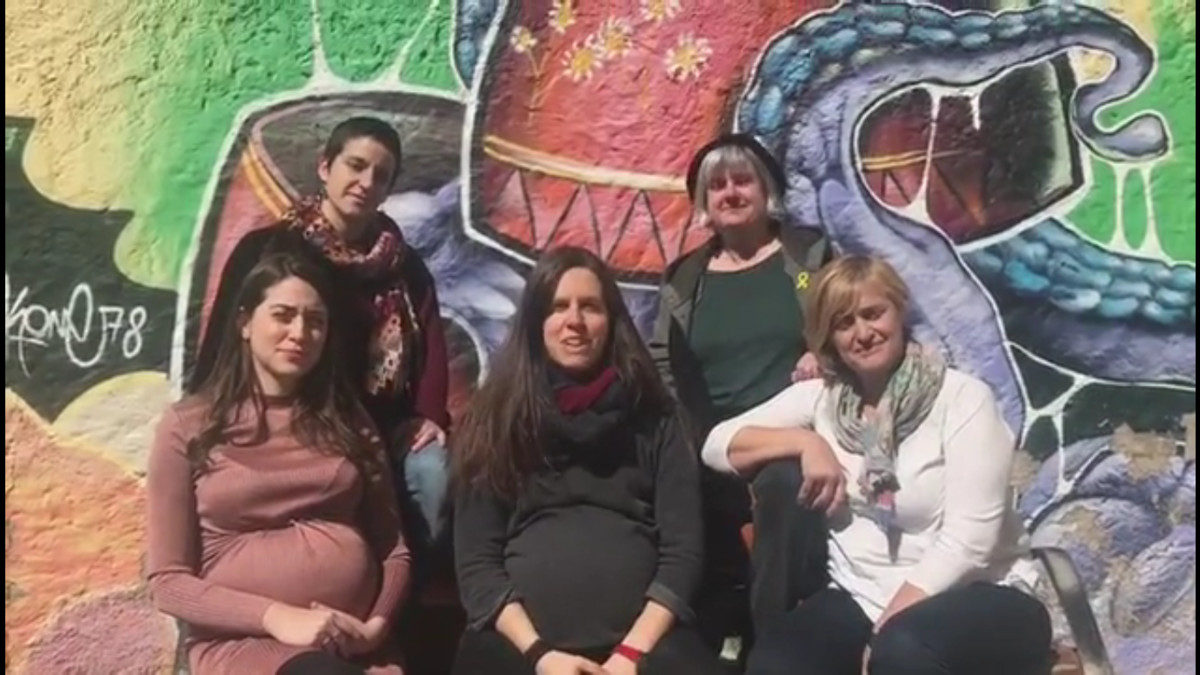 Las concejalas del Ayuntamiento de Sabadell anunciando su adhesión a la huelga del 8M.