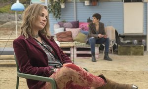 Lisi Linder e Isabel Naveira, en 'Vis a vis: El Oasis', de Fox.