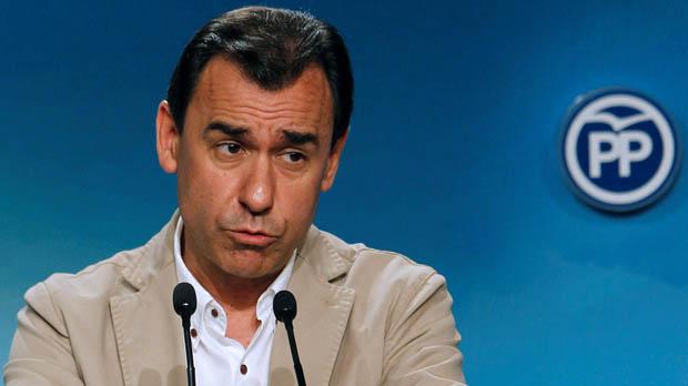 Maíllo afirma que si Sánchez no retira la moción será el judas de España.