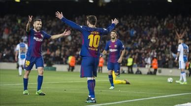 El Barça 'guanya' el derbi madrileny i s'allunya a 11 punts de l'Atlètic