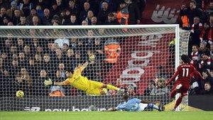 El Liverpool desborda el City i vola cap a la Premier