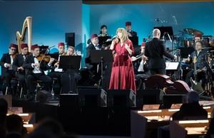 Mari a del Mar Bonet durante su actuación en el concierto por el Mediterráneo en la Sala de los Derechos Humanos y la Alianza de las Civilizaciones de la ONU, en Ginebra.
