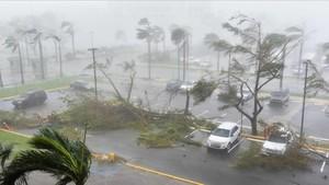 L'huracà 'María' deixa Puerto Rico sense llum després de devastar Dominica