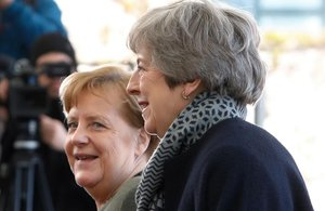 Merkel recibe a May en Berlín.