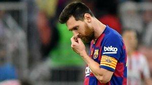 Messi, desolado tras perder la semifinal de la Supercopa con el Atlético.