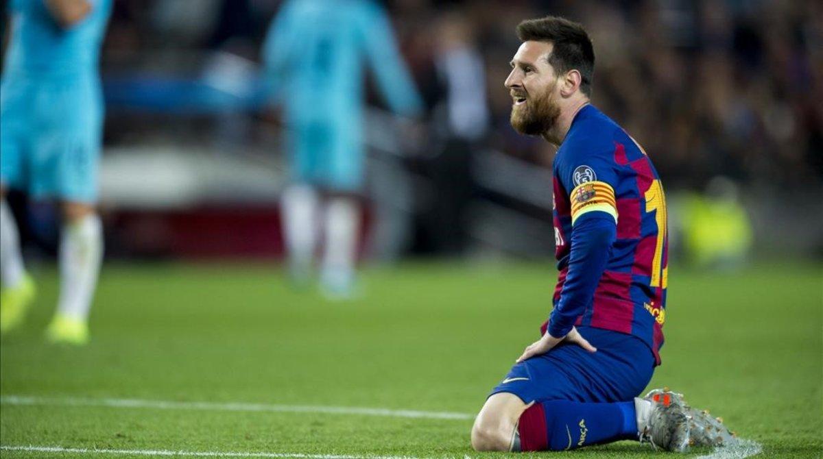 Messi tras un remate durante el partido ante el Slavia.