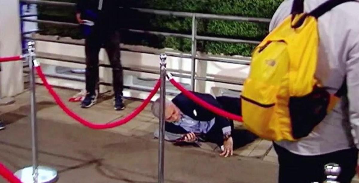Mourinho, por los suelos en Wembley.