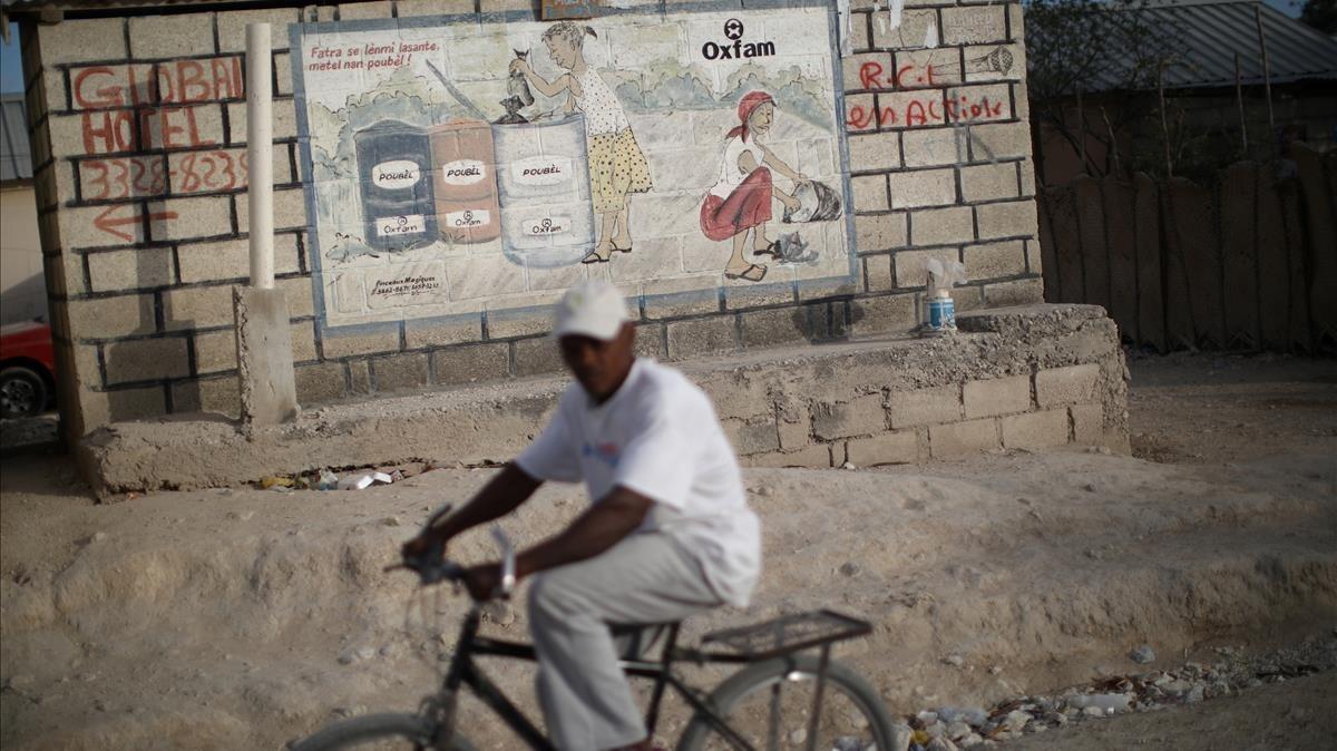 Mural de Oxfam en el campo de desplazados de Corail, en Haití.