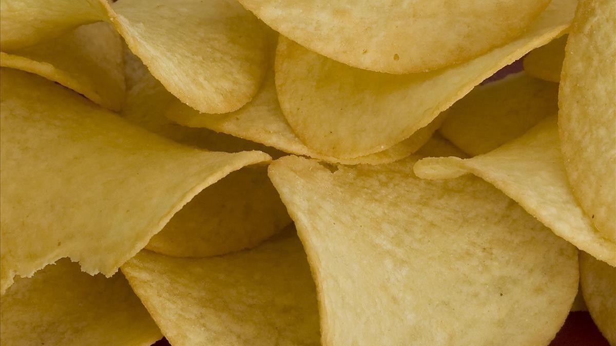 Las patatas fritas contienen grasas trans.