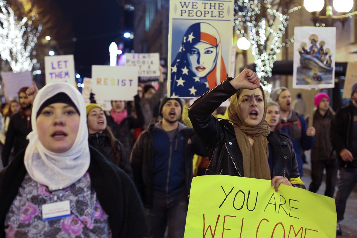 Manifestación en Seattle (EEUU) contra el veto de Trump a los musulmanes.