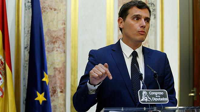 Rivera pone seis condiciones al PP como llave para abrir la puerta a la negociación.