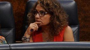 La ministra de Hacienda, María Jesús Montero, en el pleno extraordinario del Congreso sobre la crisis del Open Arms.