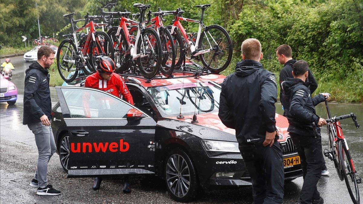 Dumoulin abandona el Giro