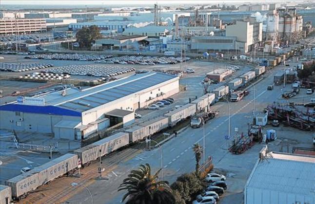 Tren de mercancías de la línea bautizada como Barcelyon, con base en Perpinyà.