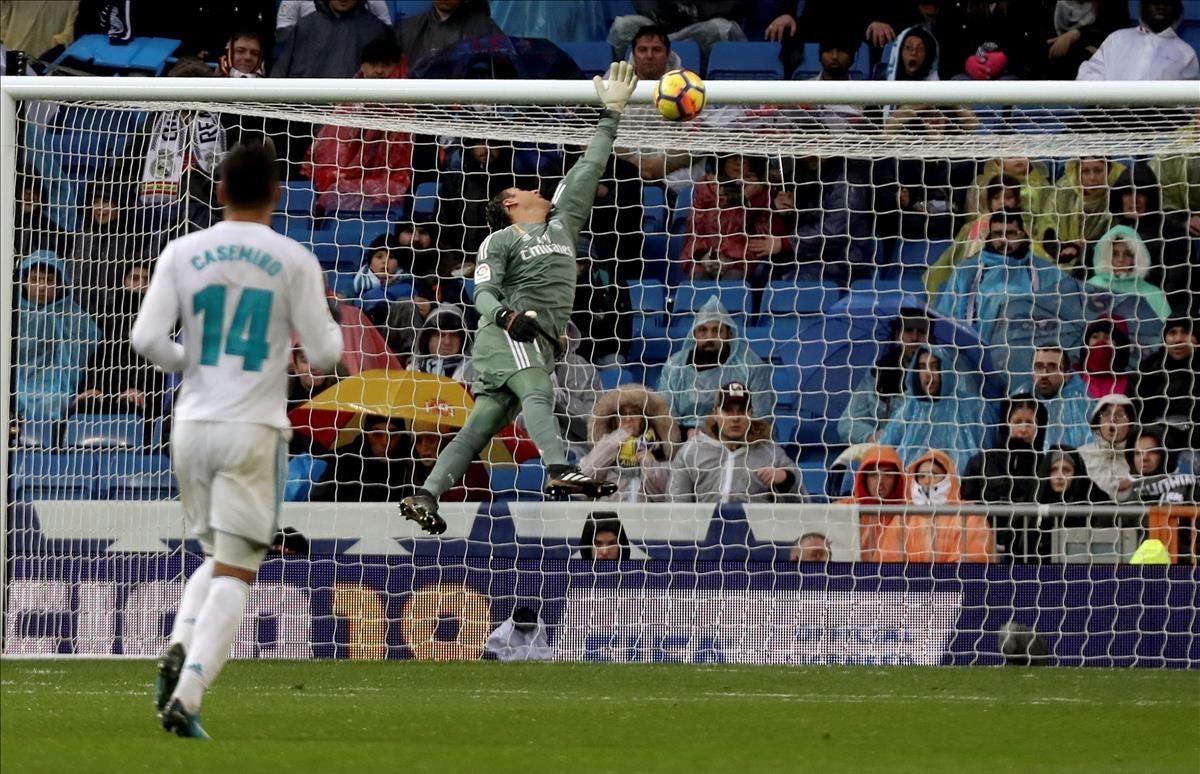 El Madrid torna a caure i suma la seva tercera derrota al Bernabéu (0-1)