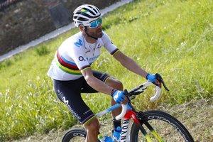 Alejandro Valverde rep la Bicicleta d'Or 2018, equivalent a la Pilota d'Or