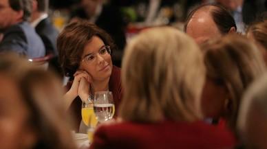 El Gobierno exhibe optimismo frente a Puigdemont pero mira de reojo al TC y a Torrent