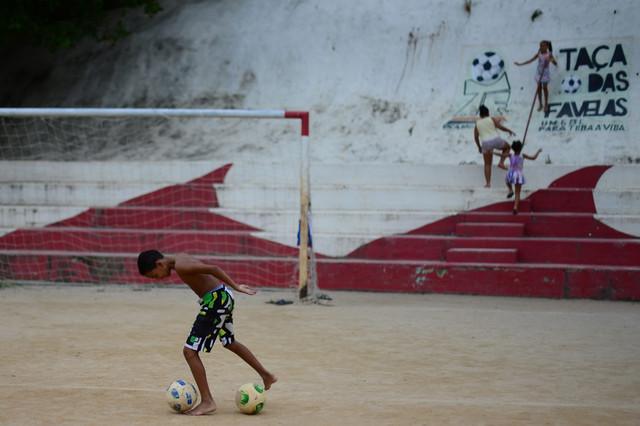 El fútbol visto por los niños de la favela Cidade de Deus.