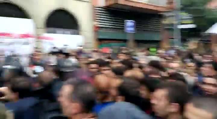 Tensión en la escuela Ramon Llull.