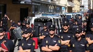 Un jutge investiga l'expulsió de policies d'hotels de Pineda de Mar per l'1-O