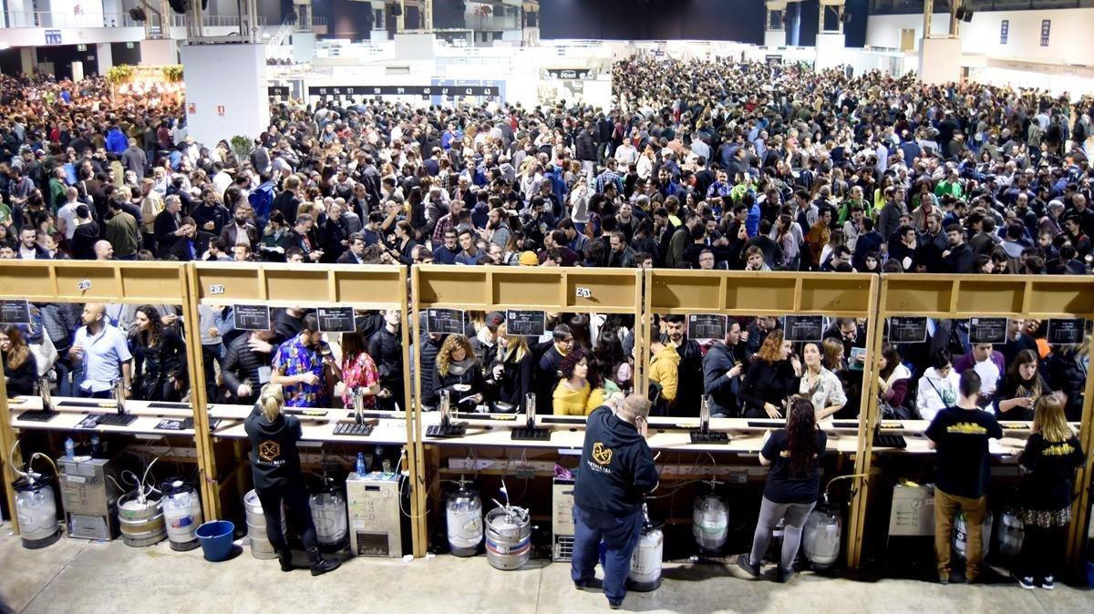 Algunos de los surtidores, en el Barcelona Beer Festival del año pasado.