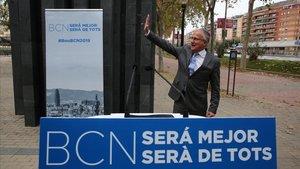 Josep Bou, durante su presentación como alcaldable, este miércoles junto al monumento por las víctimas del atentado de ETA en Hipercor.