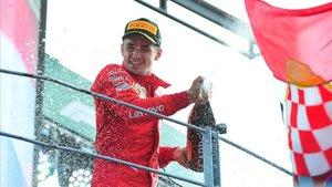 Leclerc desencadena el deliri a Itàlia