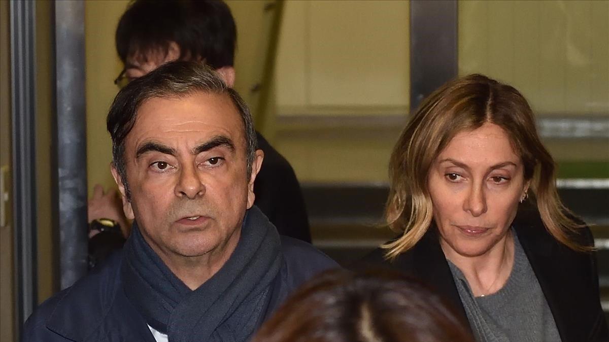 Carlos Ghosn junto a su mujer Carole.
