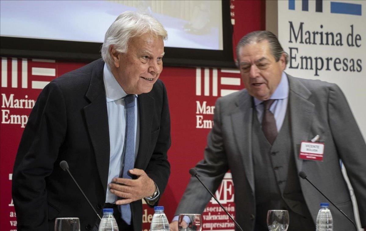 El expresidente del Gobierno, Felipe González, en la conferencia que ha ofrecido en la asamblea de AVE
