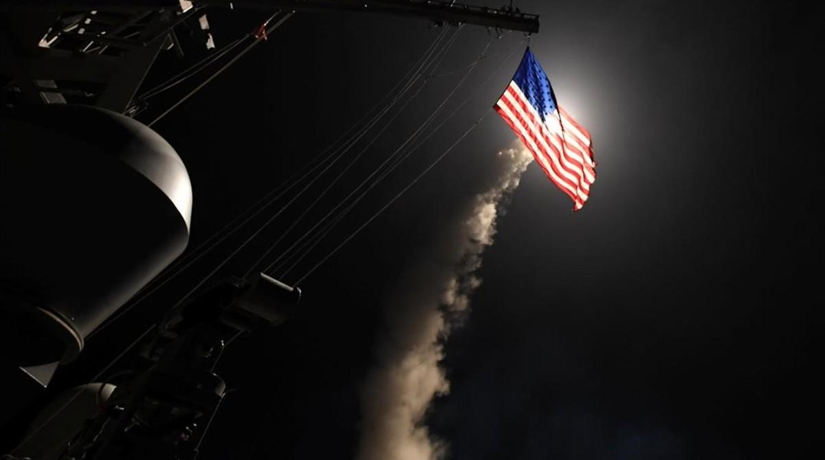 Lanzamiento de misiles Tomahawk contra blancos en territorio de Siria ordenado por el presidente de EE.UU.