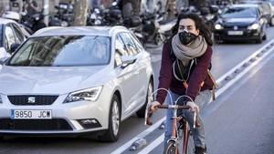 contaminación ciclista aire barcelona diagonal