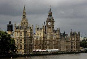 Detingut un exministre i diputat britànic per presumpta violació