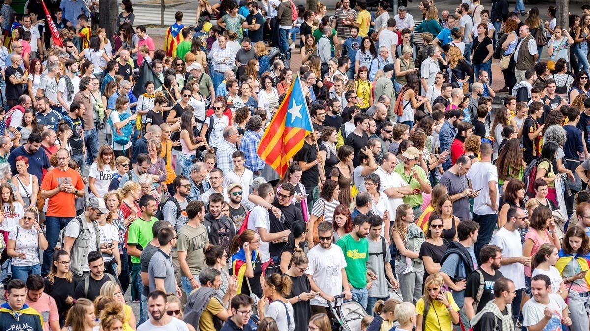 Ambiente dela protesta en el eje comercialFrancesc Macià, de Sabadell.