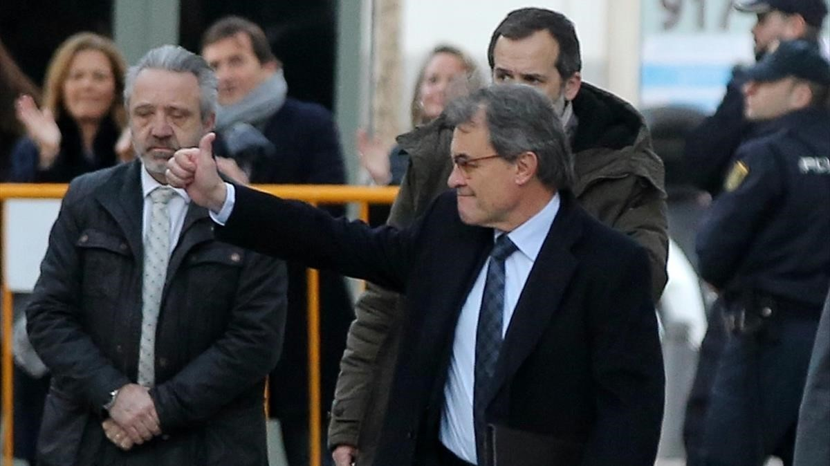 Artur Mas llega al Tribunal Supremo para comparecer ante el juez.