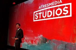 Atresmedia Studios ya tiene su primer proyecto: 'El embarcadero', una serie para Movistar+