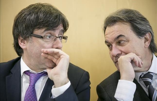 Carles Puigdemont y Artur Mas, en una reunión de la ejecutiva de CDC.