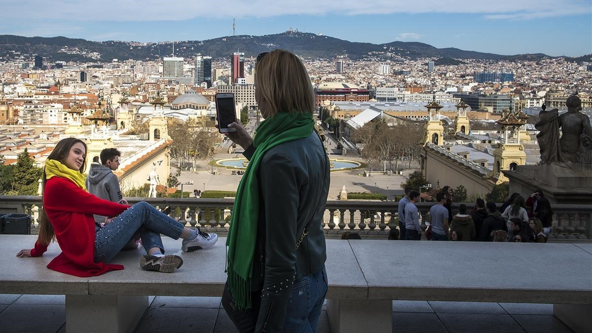 Turistas en Montjuïc.
