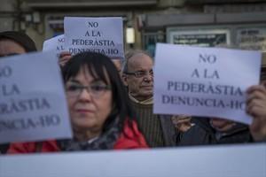 Concentración de apoyo a las víctimas de pederastia de los Maristas, el pasado febrero en Barcelona.