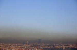 Núvol de contaminació al centre de Madrid.