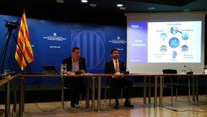 El director general de Innovació, Daniel Marco, y el 'conseller' de Polítiques Digitals i Administració Pública, Jordi Puigneró, durante la presentación de la estrategia del Govern en inteligencia artificial.